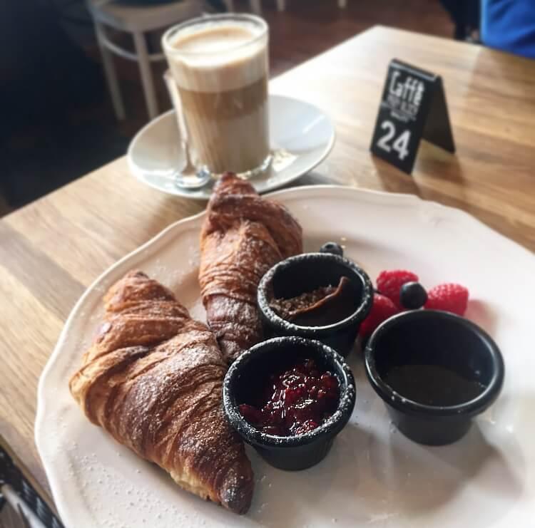 Caffe przy ulicy menu 3